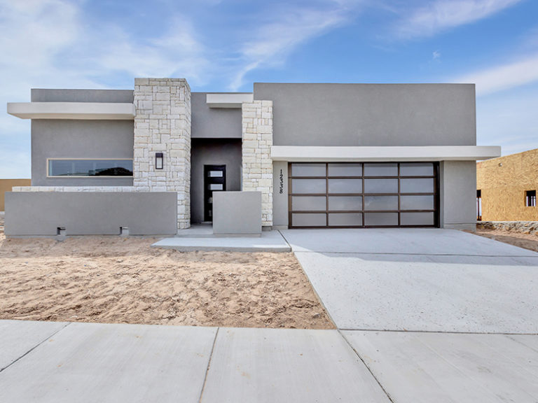 A picture of a house built with the Desert Modern floorplan