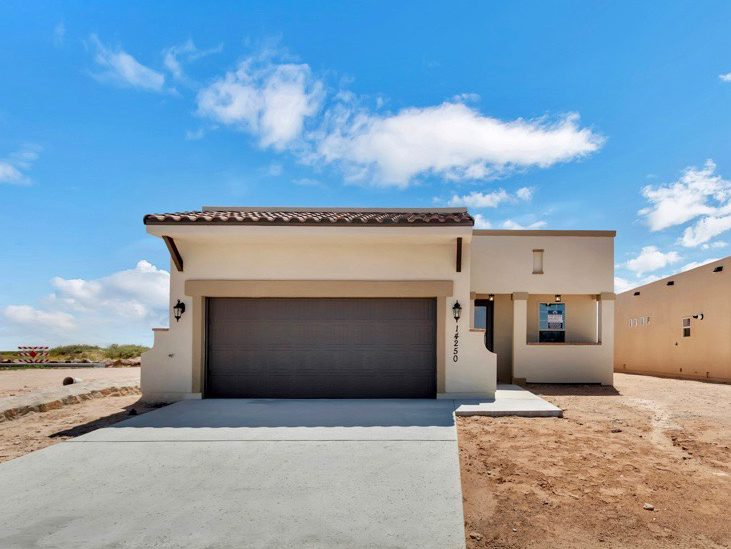 A picture of a house built with the Desert Peach floorplan